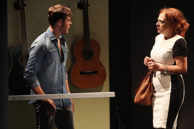 Η Ελένη Ράντου, επέστρεψε στο θέατρο Διάνα για περιορισμένο αριθμό παραστάσεων