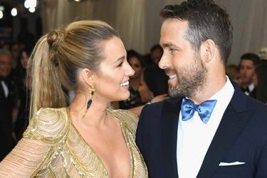 Η Blake Lively έχει γενέθλια και ο Ryan Reynolds της ευχήθηκε με τον πιο αστείο τρόπο