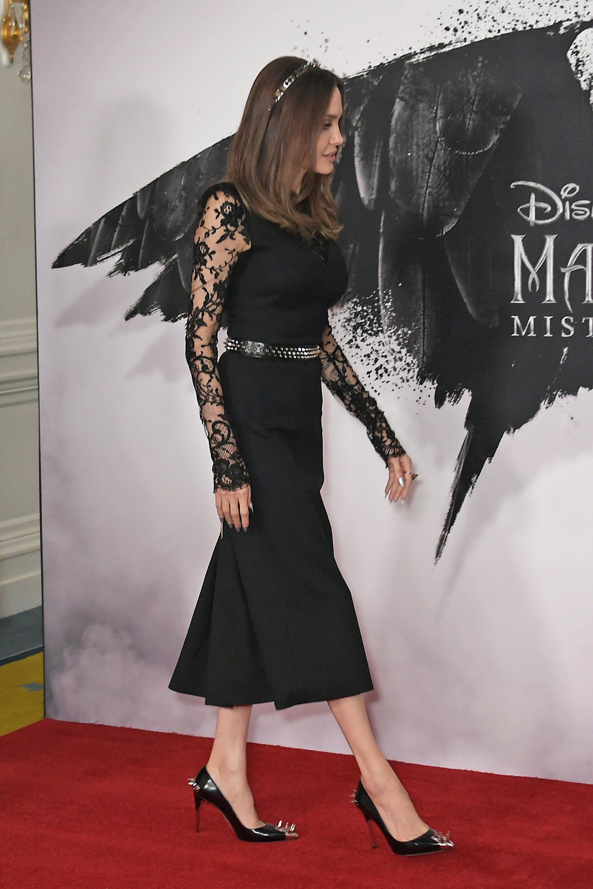 Η wild & dark εμφάνιση της Angelina Jolie στο Λονδίνο