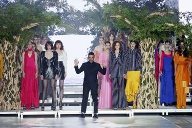 Ο Στέλιος Κουδουνάρης παρουσίασε τη καινούργια του συλλογή Spring-Summer 2020
