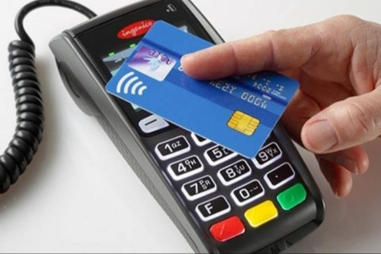 Πληρωμές με κάρτα: Αλλάζουν όλα στις ανέπαφες συναλλαγές