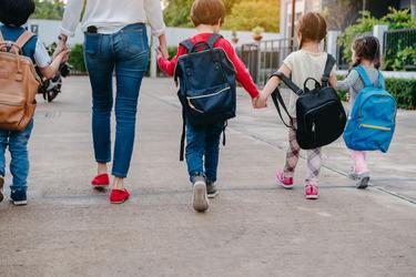 Πώς να προετοιμάσεις ψυχολογικά το παιδί σου για το σχολείο
