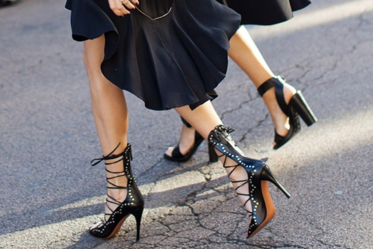 Ψηλοτάκουνα παπούτσια και φλεβική ανεπάρκεια