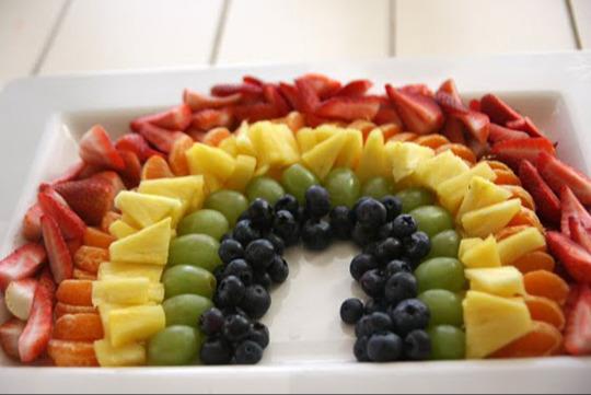 5+1 νόστιμες ιδέες για να τρώνε τα παιδιά φρούτα